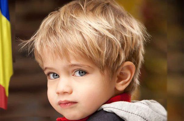 Un copil roman de 5 ani este noul campion mondial la programare. Este considerat cel mai inteligent copil din lume si toti gigantii din IT se bat pe el.
