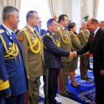 Aproape toti generalii avansati in grad de Basescu au depus cereri de pensionare