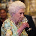 De ce  bea regina Elisabeta a Angliei doar vin romanesc. Motivul este uimitor